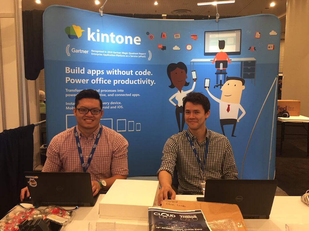 kintone cloud expo booth