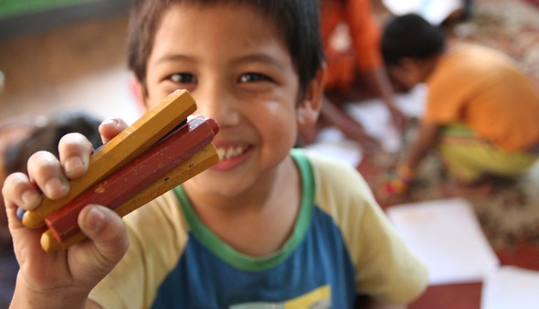 Nepali Education NGO Uses kintone to Measure Progress of Orphaned Children